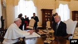 Donald Tramp i papa Franja, Vatikan 24. maj 2017.