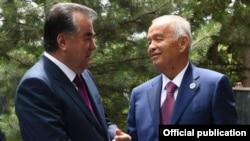 Мезбон Ислом Каримов меҳмон Имомали Раҳмон билан.