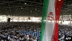Ирандықтар Теһран университетіндегі жұма намазда. 14 тамыз, 2009