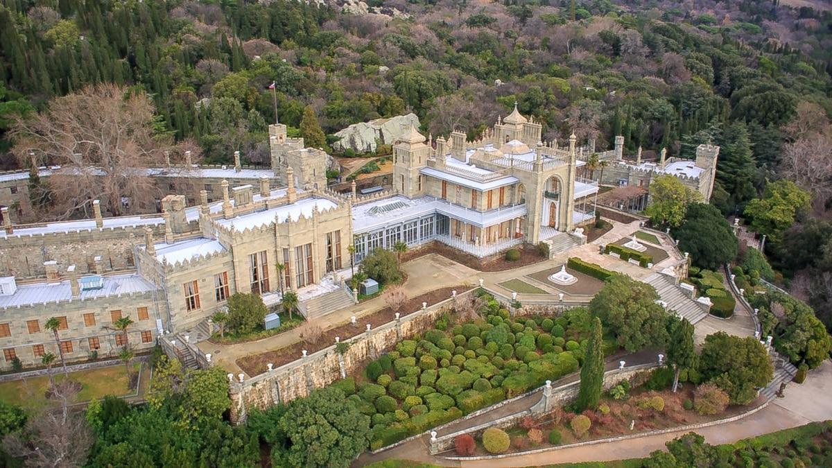 В каком состоянии находится одна из самых известных достопримечательностей оккупированного Крыма - Воронцовский дворец?