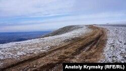 В горах Криму, архівне фото