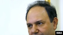 معاون سازمان انرژی اتمی ایران گفته است که این سازمان خارج از مسایل سیاسی، طبق برنامه توانایی فنی خود را افزایش می دهد. (عکس از ایسنا)