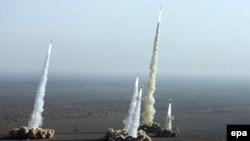 Иран с воодушевлением принял доклад американской разведки о собственных ядерных планах. Учения Корпуса стражей исламской революции под Кумом