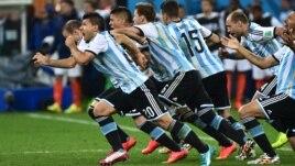Аргентина құрамасы ойыншыларының қуанышы. Бразилия, 9 шілде 2014 жыл.