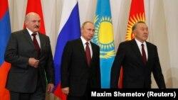 Аляксандар Лукашэнка, Уладзімір Пуцін і Нурсултан Назарбаеў, архіўнае фота