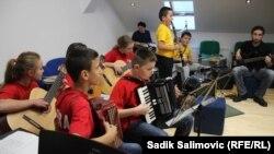 Musiqi məktəbi (arxiv fotosu)
