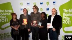 Номинанты на Букер 2011 (слева направо): Кэрол Берч, Стивен Келман, Патрик деВитт, Эси Эдугян, Эндрю Миллер