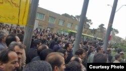 تظاهرات معلمان در برابر مجلس شورای اسلامی برگزار می شود.