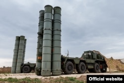 The S-400 air-defense missile system (file photo)