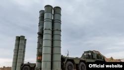 Антиракетные комплексы S-400, расположенные на военно-воздушной базе Хмеймим