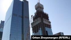 Будівництва висотної будівлі «Абу-Дабі Плаза» в Астані, Казахстан