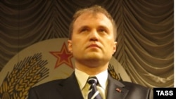 Evgheni Șevciuk, preluând funcția de președinte autointitulat, la Tiraspol, 30 decembrie 2011