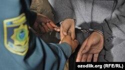 Узбекистан. Арест неизвестного