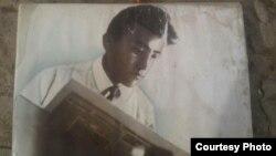 Манас Казакбаев. Осмон Уламсадыровдун архивинен алынган фотосүрөт.