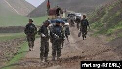 Афганские военнослужащие в ходе операции в провинции Фариаб, 1 июня 2015 года. Иллюстративное фото.