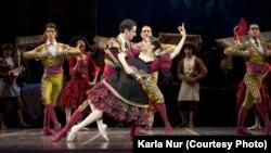 """Балет """"Дон Кихот"""" театра «Ла Скала» на сцене театра «Астана Опера». Фото предоставлено пресс-службой театра. Автор фото Карла Нур."""