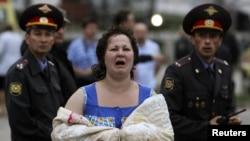 Этой женщине удалось спастись с борта тонущего теплохода