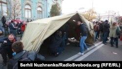 Палатки оппозиции вблизи Верховной Рады. 17 октября
