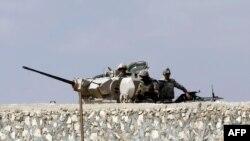 Egjipt - Ushtarët duke bërë roje në kufirin lindor me Rripin e Gazës në Rafah