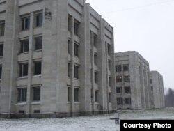 Здания СПГбУ в Петергофе