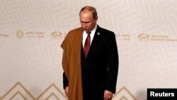 Владимир Путин Лимада ўтган APEC саммитида. 2016 йилнинг 20 ноябри.