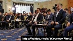 Садыр Жапаров Жогорку Кеңештин чукул жыйынында. 2020-жылдын 14-октябрында.