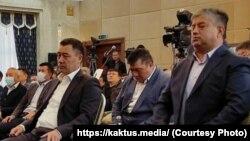 Равшан Собиров дар канори Содир Ҷабборов (Ҷапаров). 14-уми октябри 2020