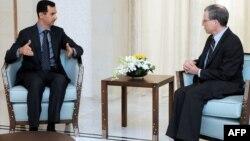 Սիրիայի նախագահ Բաշար ալ-Ասադի և ԱՄՆ-ի դեսպան Ռոբերտ Ֆորդի հանդիպումը, արխիվ