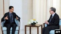 الرئيس الاسد يستقبل السقير الاميركي روبرت فورد