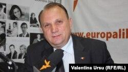 În studioul Europei Libere la Chișinău.