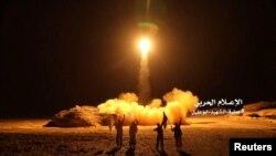 Хуситтер Сауд Аравияга баллистикалык ракета аткан учур. 25-март, 2018-жыл.