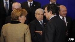 Канцлер Германии Ангела Меркель и председатель Еврокомиссии Жозе Мануэл Баррозу в Брюсселе. 30 января 2012 г