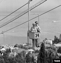 Туристы в Ялте. 1968 год