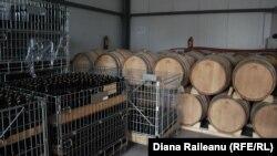 Vinul produs la şcoală, în butoaie şi în sticle