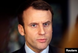 The campaign website and e-mail servers of Emmanuel Macron have been the targets of cyberattacks.