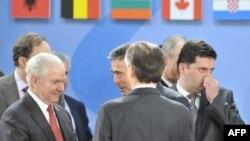 Pas takimit të ministrave të mbrojtjes të vendeve anëtare të NATO-s, në Bruksel, 11 qershor 2010.