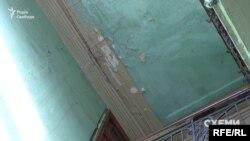 Не краща ситуація всередині будинку на Ніжинській, 66