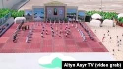 Праздник урожая в Туркменистане (кадры гостелевидения)