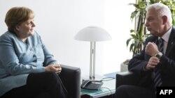 Канцлер Германии Ангела Меркель и премьер Греции Панайотис Пикрамменос