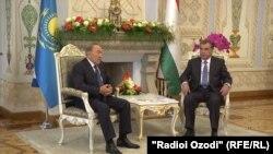 Тажикстан -- президенттер Назарбаев менен Рахмон сүйлөшүүдө. Дүйшөмбү, 14-сентябрь, 2015.
