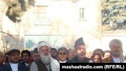 Ауғанстан президенті Хамид Карзай Құрбай айт намазынан кейін елді құттықтап тұр. 6 қараша. 2011