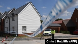 Поліцейський в Еймсбері, де чоловіка і жінку без свідомості виявили 30 червня