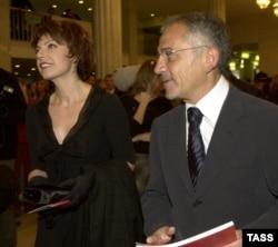 Татьяна Миткова и Савик Шустер на вручении премии ТЭФИ-2004