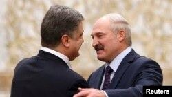 Президент України Петро Порошенко та президент Білорусі Олександр Лукашенко в Мінську у 11 лютого