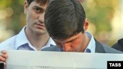 Фаъъолони мухолифин ҳангоми эътироз аз қатли Муҳаммад Евлоев, сарвари опозисюни Ингушетиё, Маскав, 4-уми сентябри соли 2008