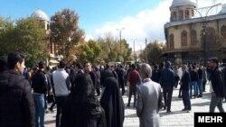 Ирандын Хамадан шаарындагы акция. 2019-жылдын ноябрь айы.