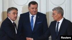 Anëtarët e presidencës trepalëshe të Bosnje e Hercegovinës, Shefik Xhaferoviq,Zhelko Komshiq dheMilorad Dodik