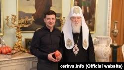 Почетный патриарх Православной церкви Украины Филарет и новоизбранный президент Украины Владимир Зеленский. Киев, 30 апреля 2019 года