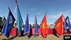 Кыргызстанда каттоодон өткөн партиялардын саны үч жүздөн ашты.