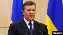 Ռուսաստան - Ուկրաինայի պաշտոնանակ արված նախագահ Վիկտոր Յանուկովիչը ասուլիս է տալիս Դոնի Ռոստովում, 11-ը մարտի, 2014թ․